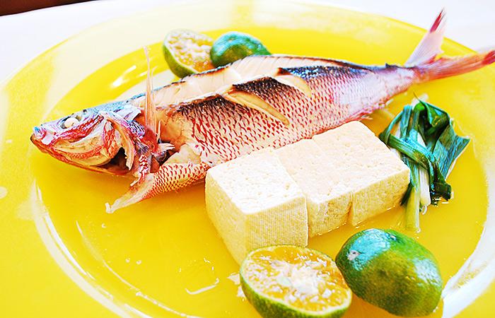 ③お魚(マース煮、又はアクアパッツア)